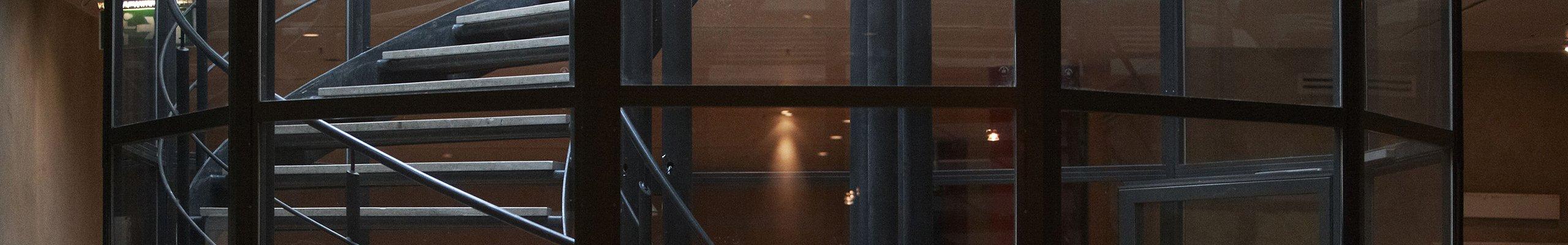 DBI Stairway with glass walls 2560x400